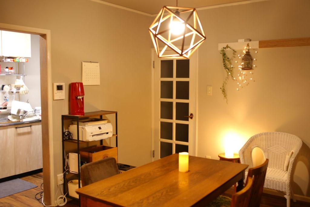 きれいに片付いた部屋の画像